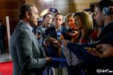 Newseum Props Up 'House of Cards' Premiere; Netflix's First Original Series Bows Friday